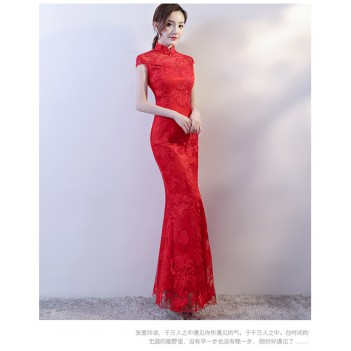 Red cheongsam Chinese dress with lace floral embroidery