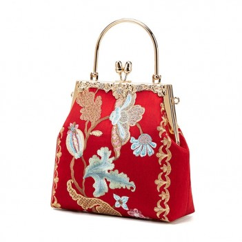 Chinese style red hand-embroidered wedding bag bridal wedding bag portable messenger bag female wild show Wo clothing matching bag