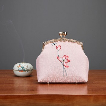 Handmade antique female bag pink small bag Chinese style embroidery bag antique Hanfu bag portable messenger bag female wild