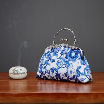 New blue and white handbag silk cheongsam bag mother hand bag gift bag